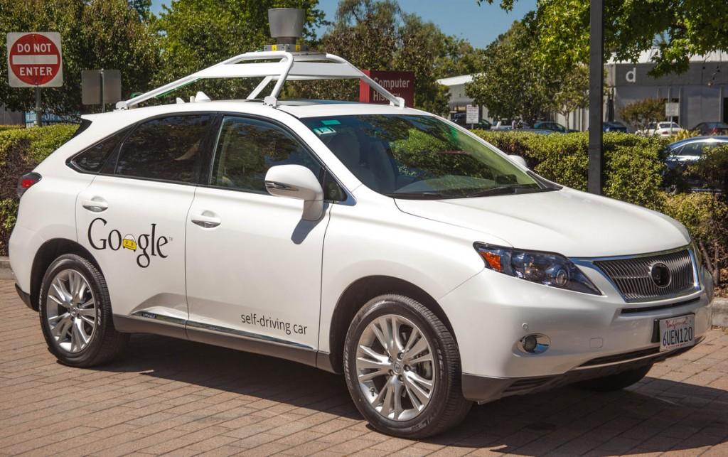Ontwikkelen autoverzekeringen zelfrijdende auto's nu starten